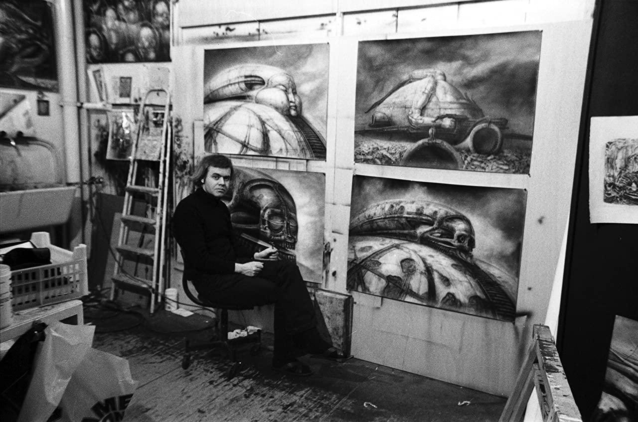 H. R. Giger 與他為夭折版《沙丘》繪製的設計圖/《曠世奇片之死》劇照/IMDb
